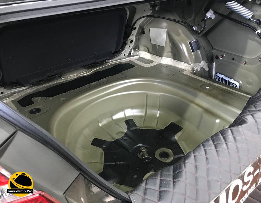 шумоизоляция багажника камри 70