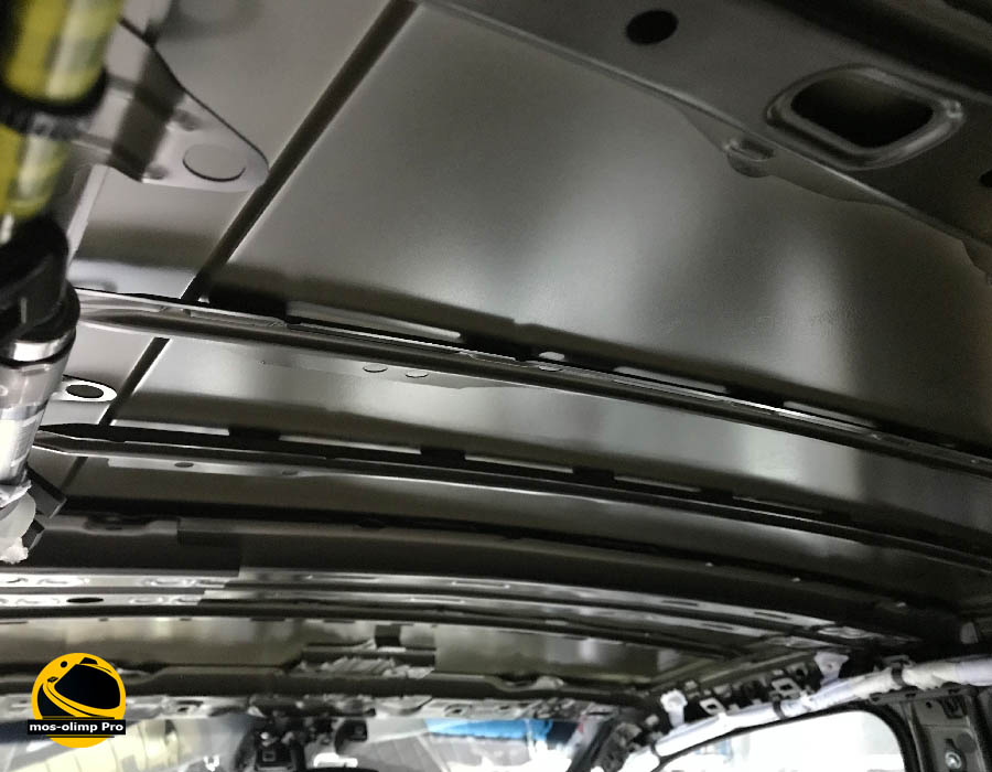 шумоизоляция крыши камри 70