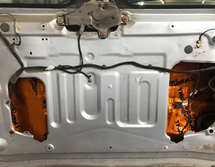виброизоляция крышки багажника chery tiggo
