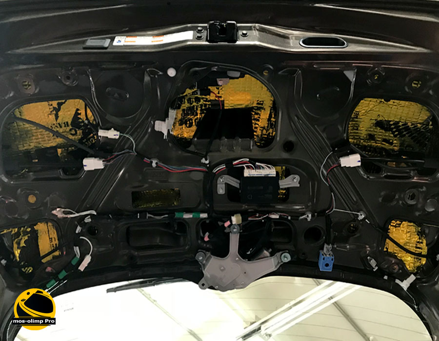 шумоизоляция крышки багажника рав4