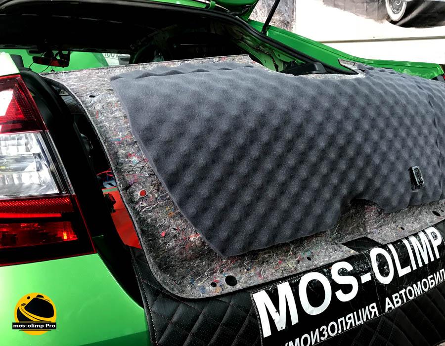 шумоизоляция крышки багажника рапид