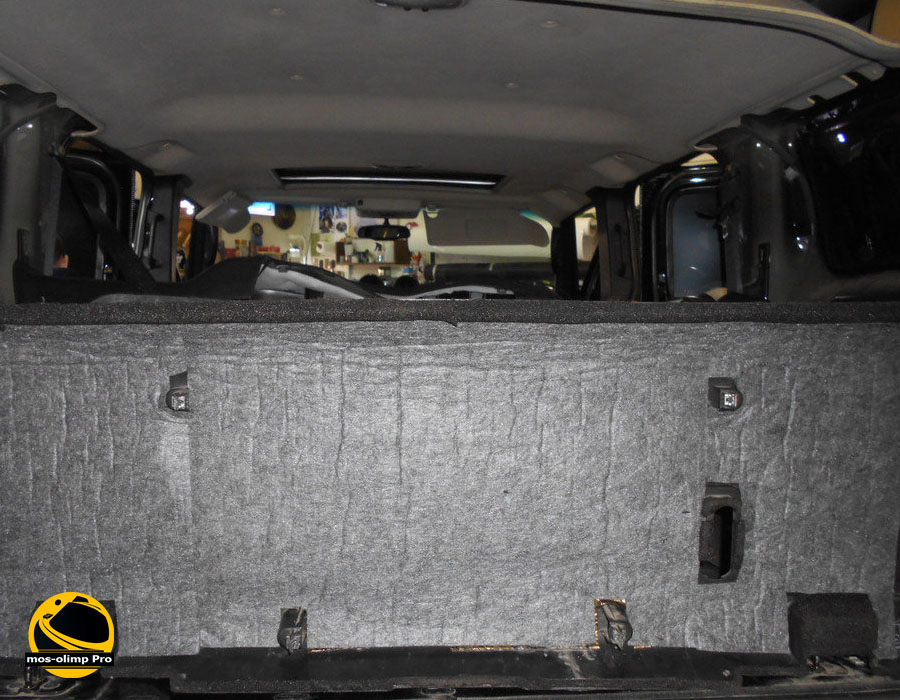 шумоизоляция крышки багажника Hummer H2