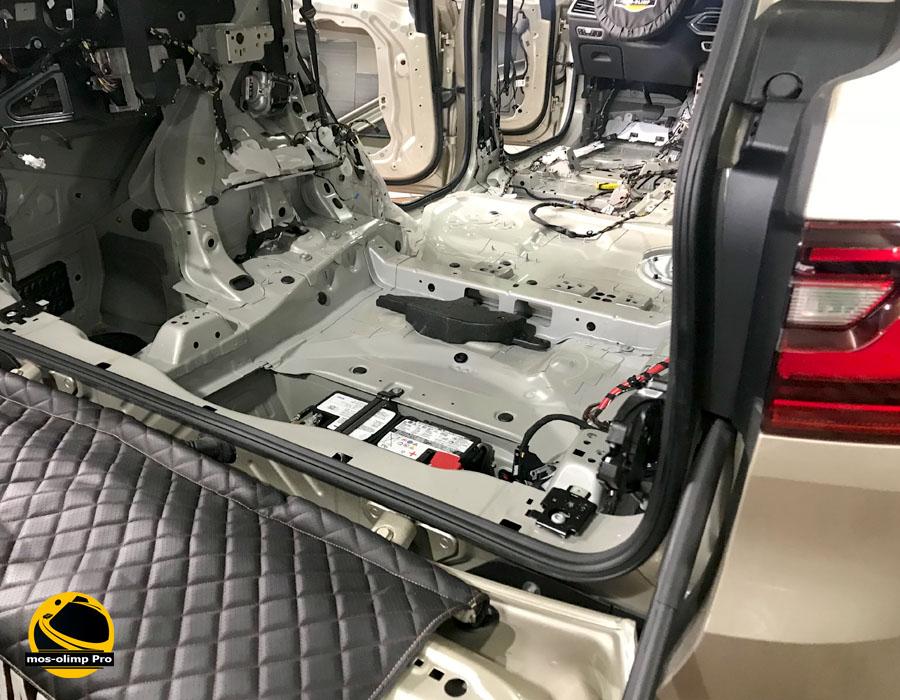 шумоизоляция багажника бмв х7