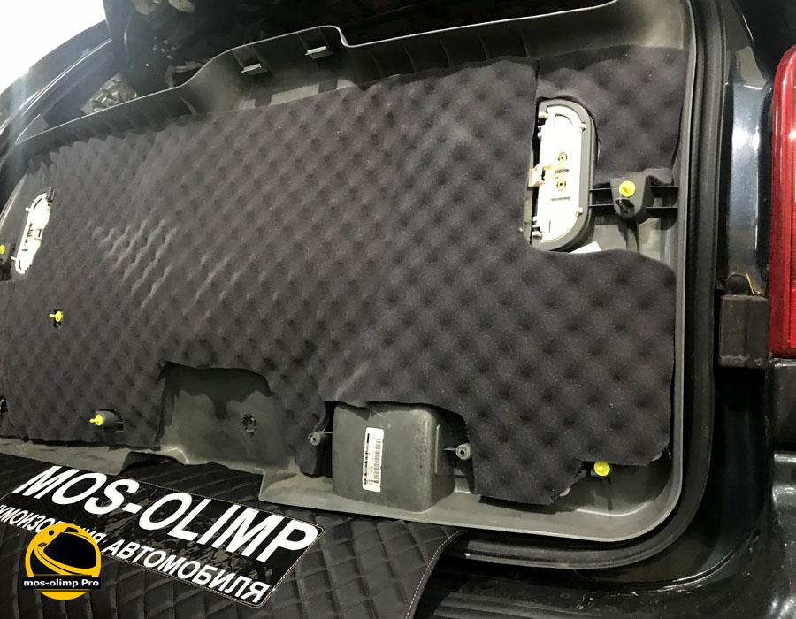 шумоизоляция крышки багажника крайслер