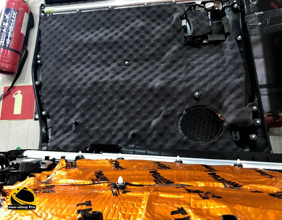 проклейка пластика шумоизоляцией