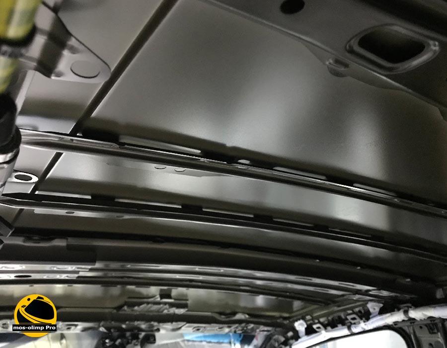 шумоизоляция крыши камри 40