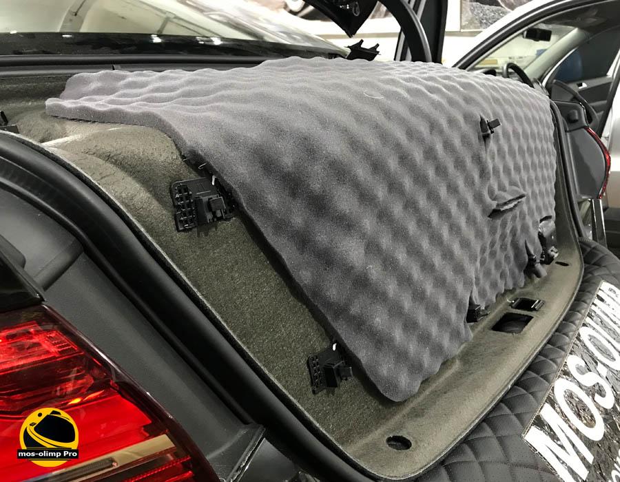 шумоизоляция крышки багажника ауди а 8