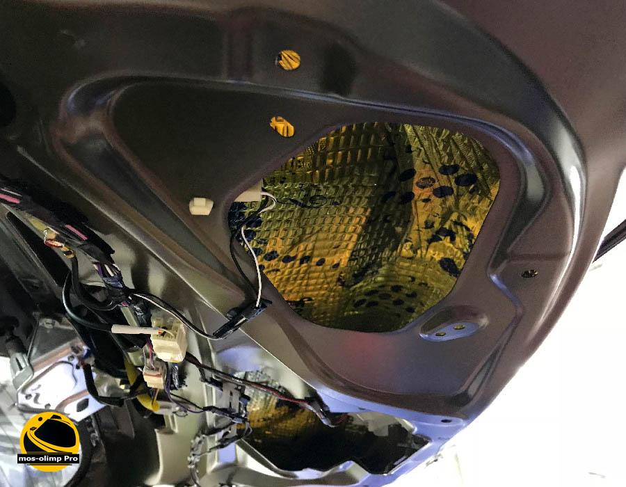 шумоизоляция крышки багажника аутлендер