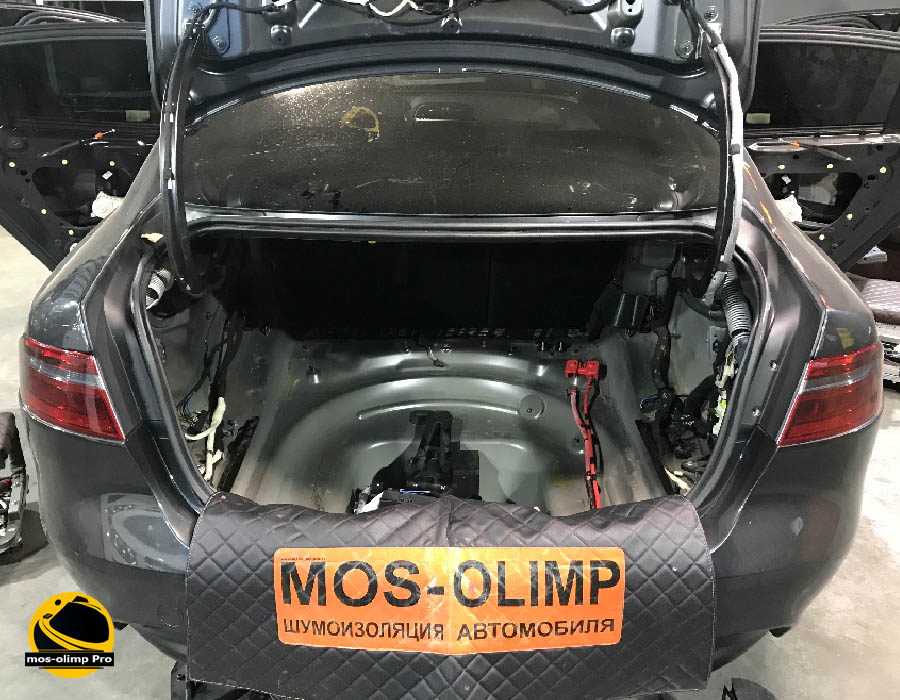 шумоизоляция багажника jaguar xe